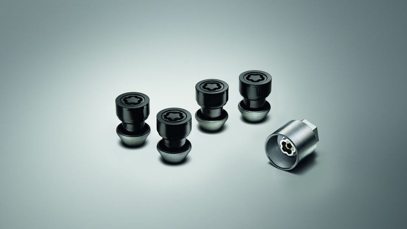 Locking Wheel Nuts - Gloss Black finish